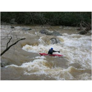 Mike Wellman in middle of the big South Fork rapid (Photo by Lou Campagna - 4/26/04)