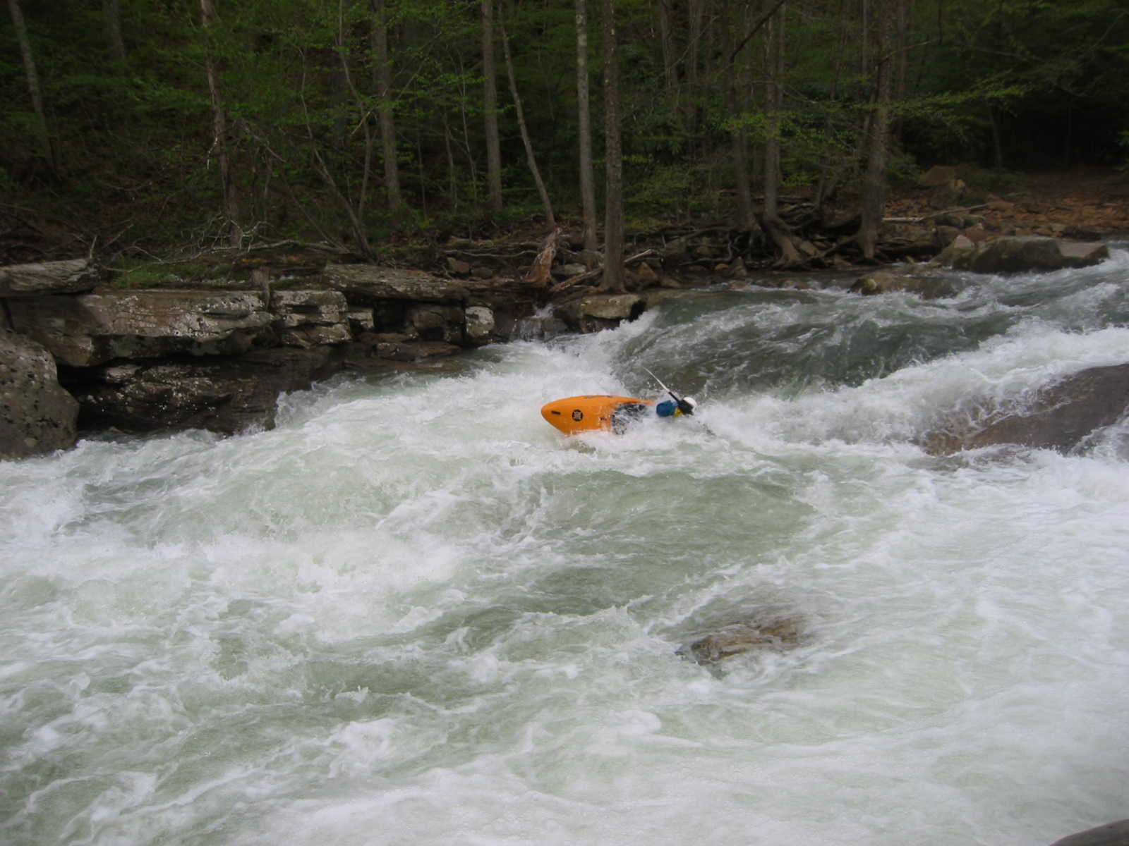 Keith Merkel deep bracing in Bridge Rapid (Photo by Scott Gravatt - 4/27/04)