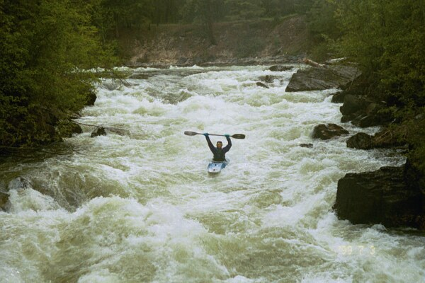 Robert Goo survives the Skookumchuck (Photo by Keith Merkel - 7/3/99)